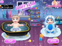 Bebelusul Elsa Face Baie