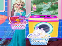 Elsa Washing Dirty Clothes