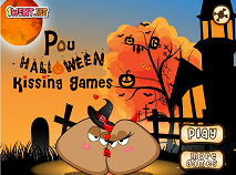 Pou Halloween Kissing
