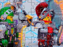 Puzzle cu Cavalerii Nexo