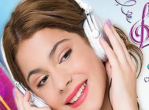 Violetta Asculta Muzica Puzzle